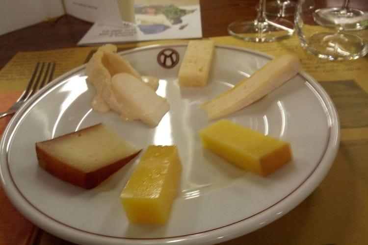 Viaggio tra vini e formaggi nel cuore della Franciacorta