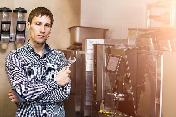 Manutenzione attrezzature al ristorante Fondamentale per evitare infortuni
