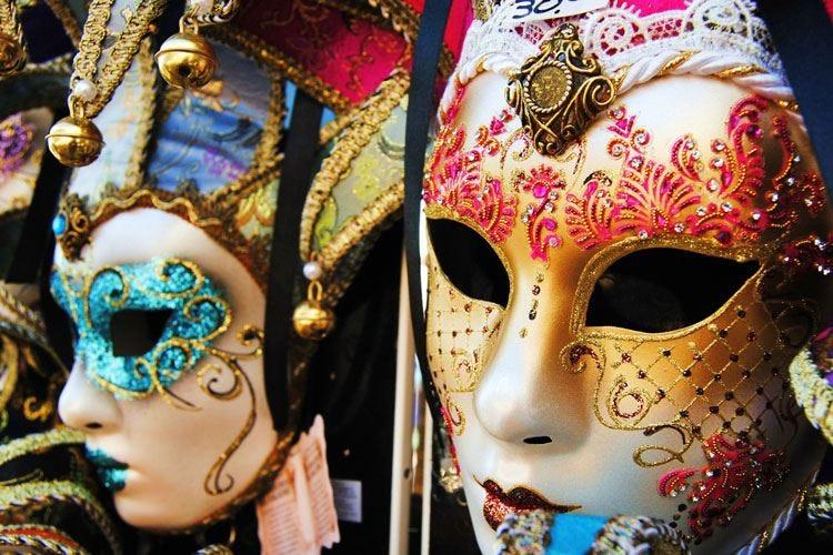 Maschere, carri allegorici e tanti dolci Il Carnevale 2019 vale 228,5 milioni