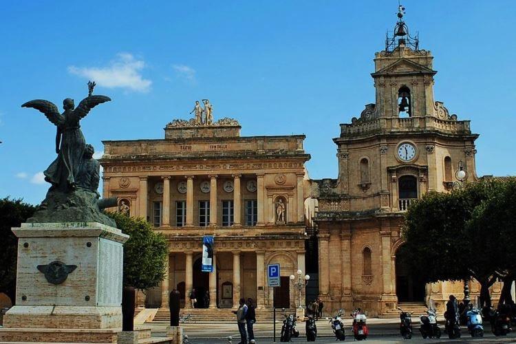 A MedinWine sfilano le eccellenze della Sicilia orientale