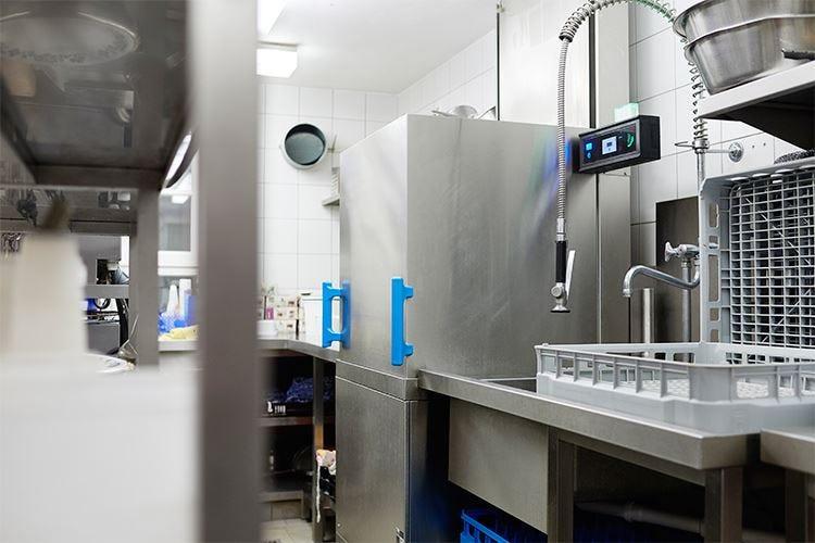 Meiko M-iClean H, l'innovazione nelle lavastoviglie a capote