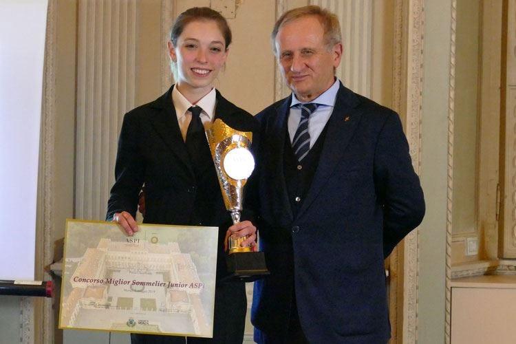 Miglior sommelier junior Aspi 2019 Vince la studentessa Elisa Borroni