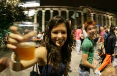 Niente alcol agli under 16 A Milano la prima multa