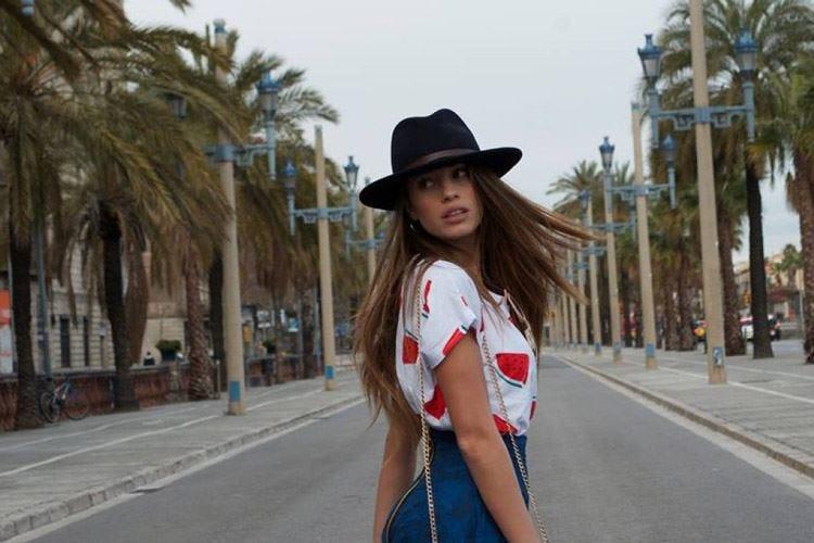 «Non bevo acqua da due anni» Bufera sull'influencer Chiara Nasti