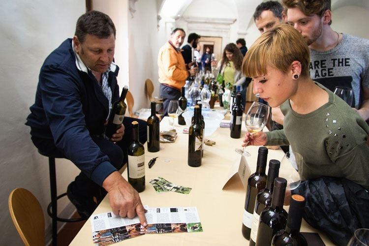 """""""Naturale"""", il vino come una volta Tre giorni di Salone a Capestrano"""