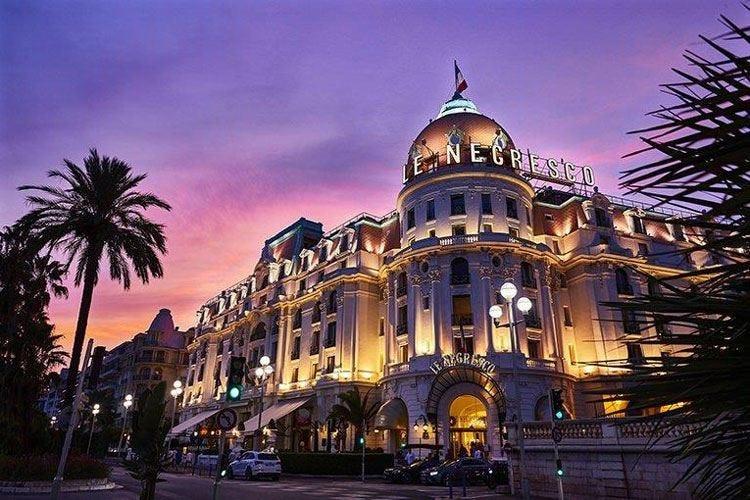 Hotel, ristorante, galleria d'arte Nizza, tutto il fascino del Negresco