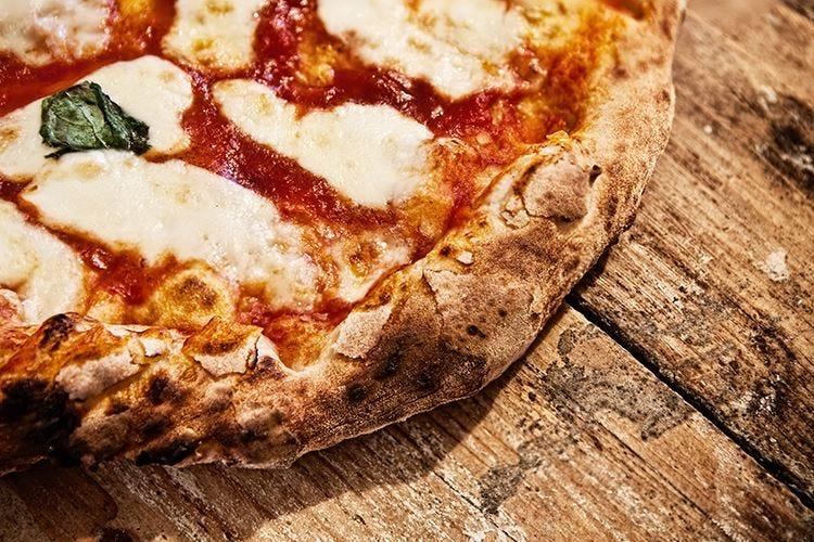La non-margherita di Cracco... a freddo Un'altra tappa della pizza nel tempo