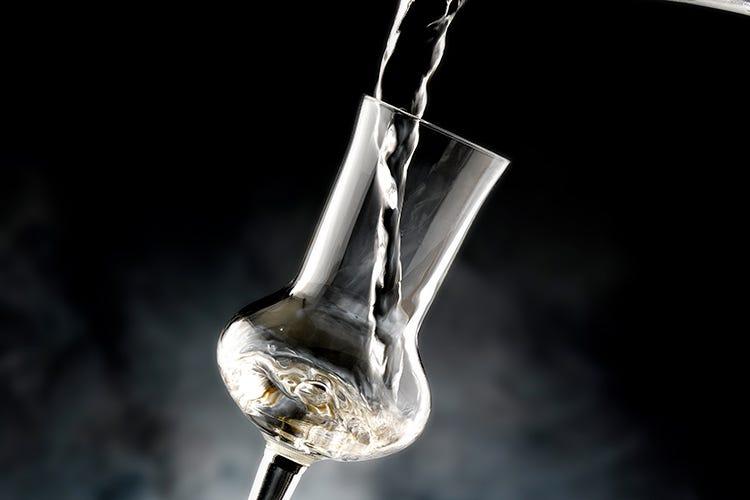 La grappa, il distillato italiano per eccellenza, entra nel mondo della mixology (I nuovi trend della mixology Quale futuro per la grappa?)