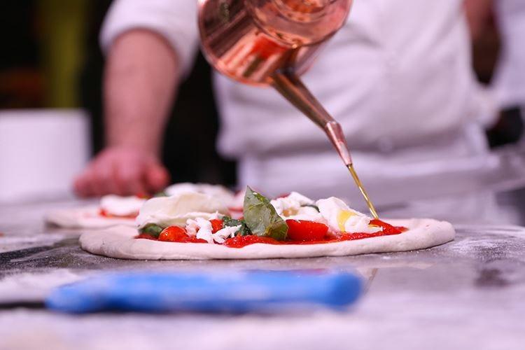 Olimpiadi della vera pizza napoletana In gara pizzaioli da tutto il mondo