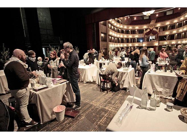 L'olio italiano finalmente su un palco A Extralucca l'evo di qualità parla da sé