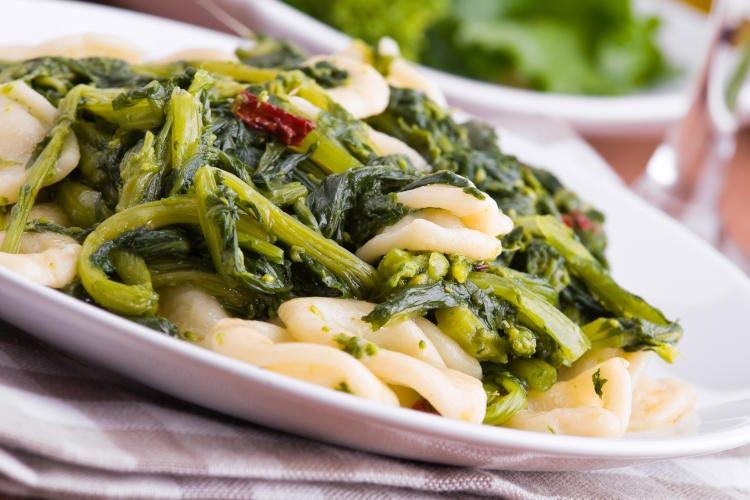 Viaggio tra i sapori della Puglia: menù completo per rivivere il Salento a tavola