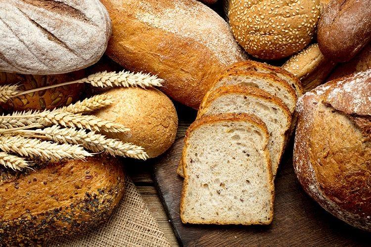 Il pane in tavola, un viaggio dal forno alla mise en place