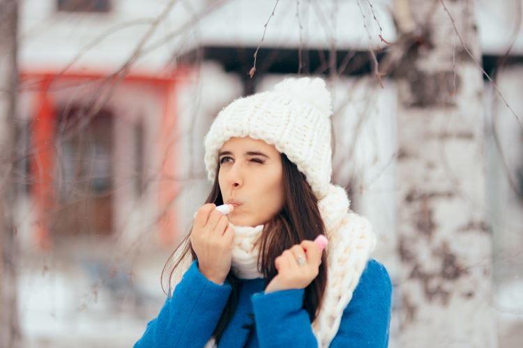 Pelle secca in inverno Colpa di freddo e smog