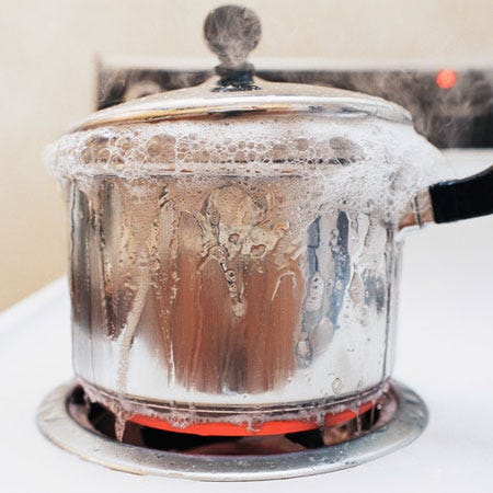 Sicurezza dei lavoratori in cucina come ridurre i rischi - Rischi in cucina ppt ...