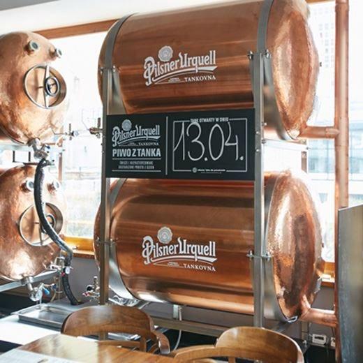 A Milano il primo £$tank$£ di Pilsner Urquell È già un grande successo