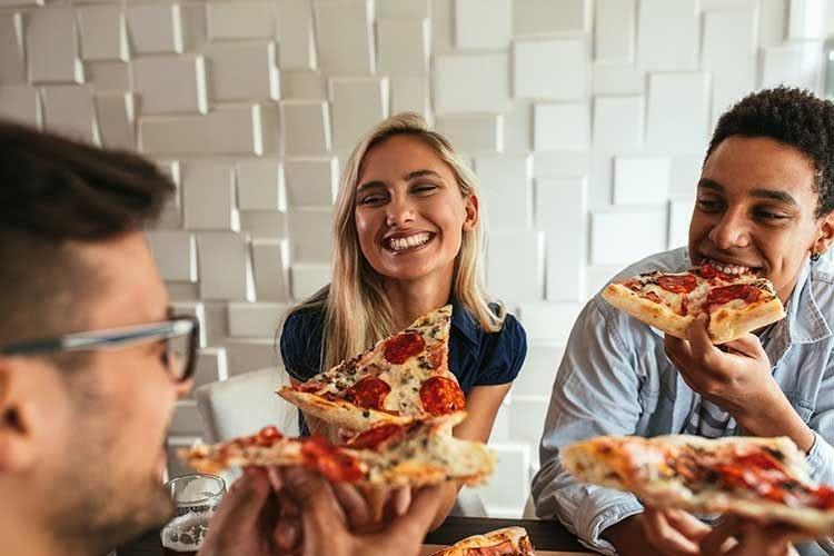 Boom della pizza surgelata L'elisir per il buonumore