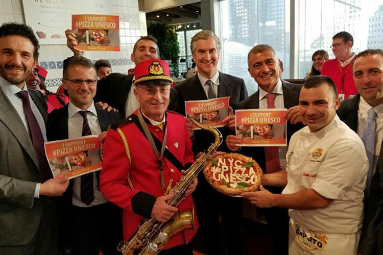 #pizzaUnesco sempre più lanciata Le firme arrivano a 1,5 milioni