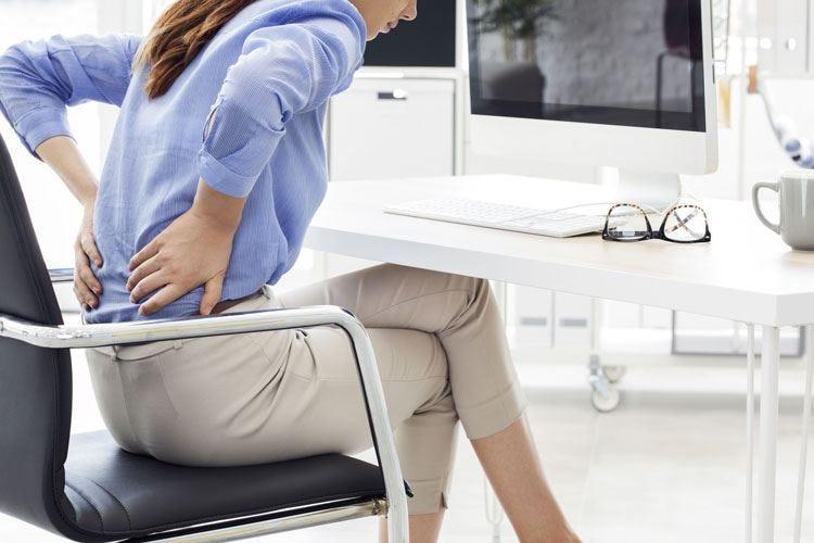 La postura può far male alla schiena Tre consigli per preservare la salute