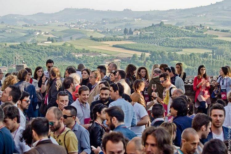 """Il """"re dei vini"""" si presenta a Roddi Barolo in festa con i suoi produttori"""