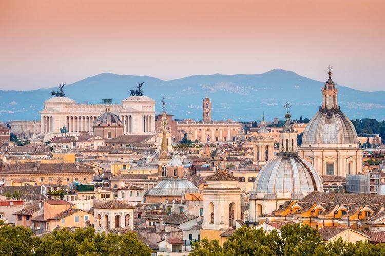 Roma e il paradosso del turismo Su le presenze, giù il fatturato (-25%)