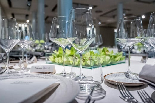 Novit in arrivo da rona sei linee di bicchieri soffiati a - Disposizione bicchieri a tavola ...