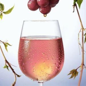 Contro il rosé taroccato  in campo anche Zaia e l'Abruzzo