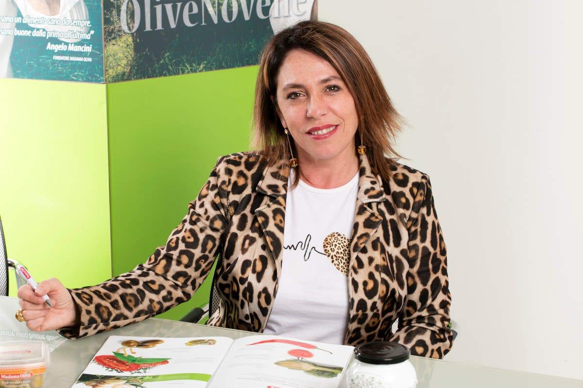 Sabrina Mancini Madama Oliva torna in tv con lo spot dedicato alla linea squeeze