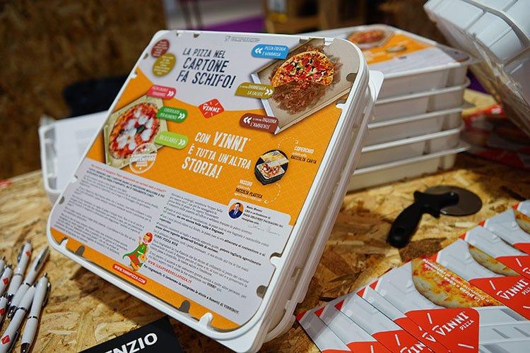 (Scatola riciclabile per la pizza d'asporto Nuova soluzione in polistirene alimentareFOTO)