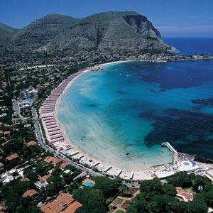 I turisti stranieri nel Sud Italia preferiscono una vacanza in Sicilia
