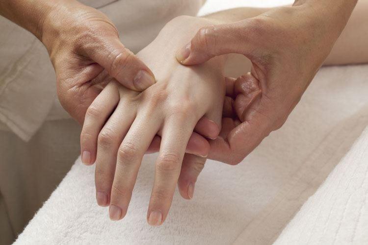 Sindrome del tunnel carpale Via il dolore un'ora dopo l'intervento