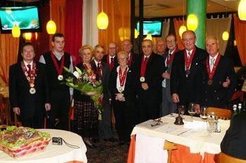 Amici della tavola, Nastro bordeaux a Franchi, Tondini e Baldini