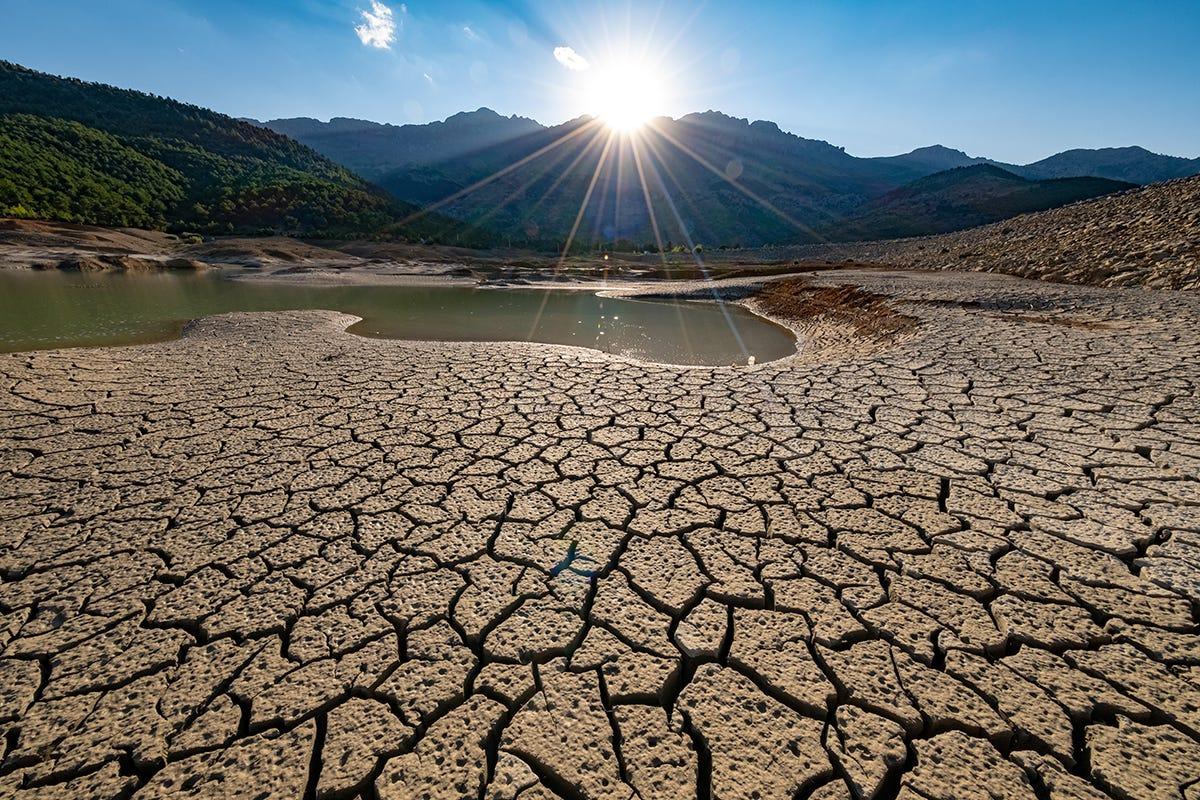 Per il 97% degli italiani, le eccellenze agroalimentari nostrane sono a rischio a causa dei cambiamenti climatici Agroalimentare e ambiente: per il 97% degli italiani eccellenze a rischio