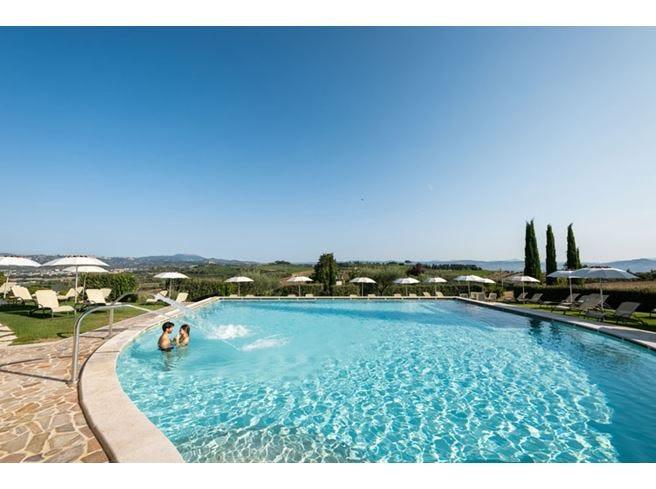 Spa, suite e ristorante gourmet Borgobrufa Resort cambia pelle