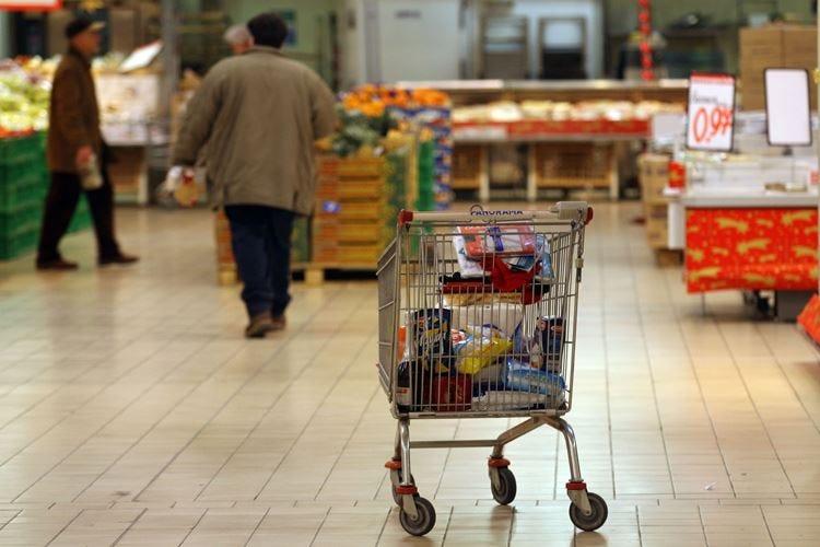 In Italia 2,7 milioni di persone faticano a fare la spesa