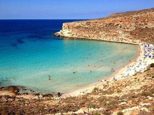 In Sicilia la migliore spiaggia d'Italia Sardegna trionfa con 5 litorali in top 10
