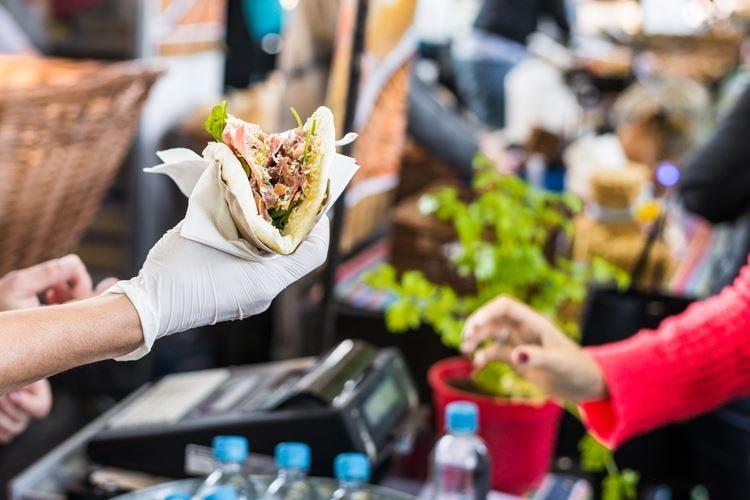 Street food per 7 italiani su 10 E la piadina batte il kebab