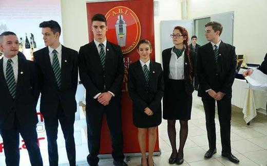 Scuole alberghiere e associazioni collaborano per formare - Scuola carlo porta milano ...