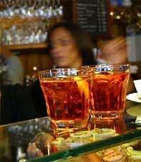 Alcol, i giovani italiani  bevono meno dei nordeuropei