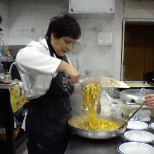 All'Osteria Vigna del mar di Monopoli in tavola le tagliatelle al ragù bolognese