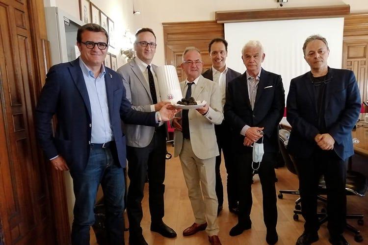 Gian Marco Centinaio, Rocco Pozzulo, Giuseppe Cristini, Alessandro Circiello, Saverio Abate (Mipaaf), Salvatore Bruno (segretario Fic)