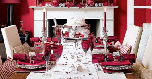 Pranzi di natale e cenoni si butter via il 25 della for Tavolo natalizio