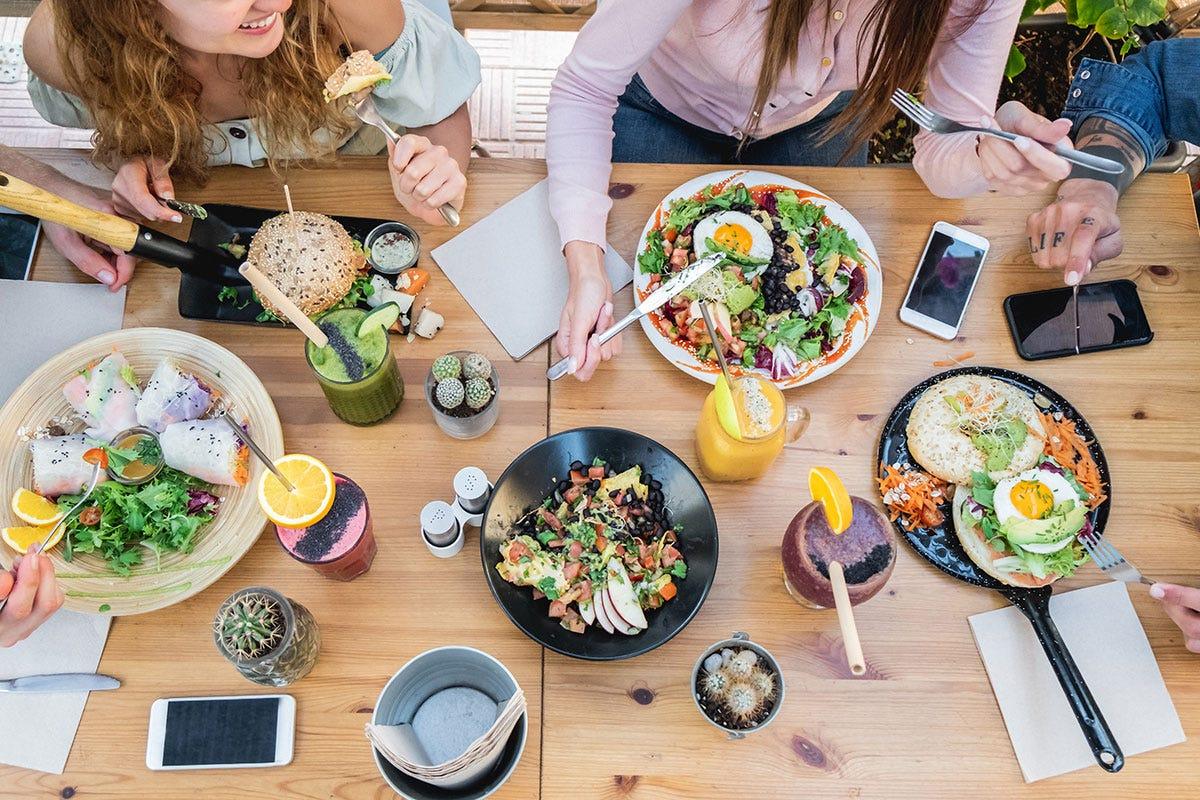 Canapa, insetti ed e-commerce: ecco le utlime tendenze in cucina Canapa, insetti ed e-commerceI nuovi trend dietro ai fornelli