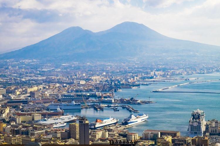 Spagnoli sedotti dall'Italia Spendono 1,5 miliardi l'anno