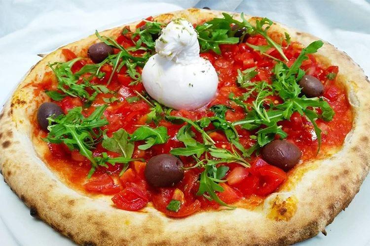 """""""Tutti a Tavola"""" a Bagheria Cucina e pizza secondo tradizione"""