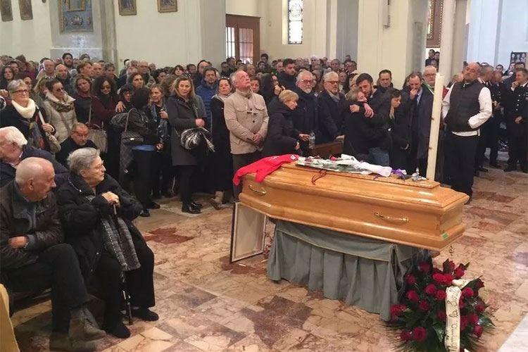 L'ultimo saluto a Luciano ZazzeriIl ricordo dei figli: «Orgogliosi di lui»