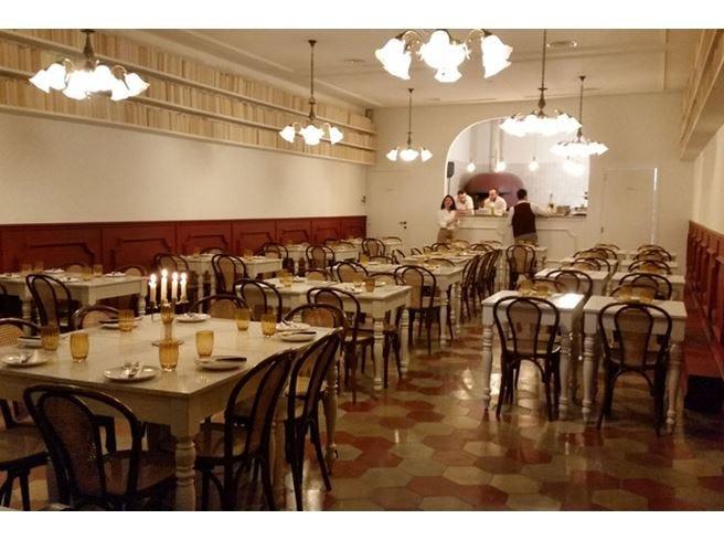 Una… napoletana a Milano Giolina, pizzeria e cocktail bar
