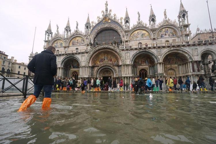 Venezia, conto salato per gli hotel  Disdetto il 35% delle prenotazioni
