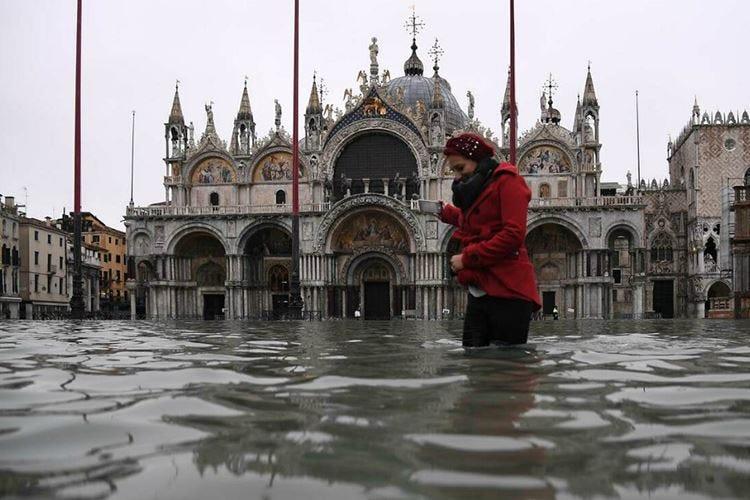 Venezia torna sott'acqua Ora rischia il turismo delle feste