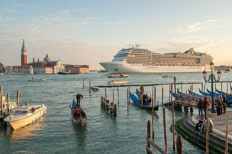 Venezia e le grandi navi Che farà Toninelli il 30 giugno?