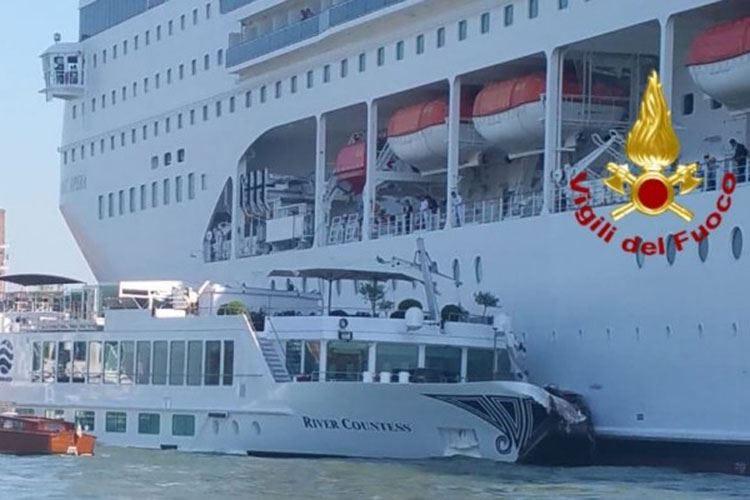 Venezia, bisticci politici sulle navi Toninelli: Soluzione entro giugno